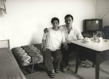 Behelfsheim für Flüchtlinge, Frielingsdorf, 1993. Kurdisches Paar